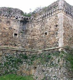 Roccella jonica resti del castello carafa castelli di calabria maida castello normanno italy sciox Images