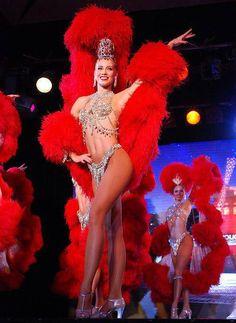 Dancers for entertainment in moulin rouge style Le Burlesque, Burlesque Outfit, Vintage Burlesque, Burlesque Costumes, Carnival Girl, Carnival Outfits, Carnival Costumes, Brazil Carnival, Le Moulin Rouge Paris