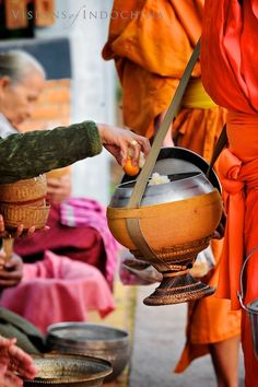 Morning Alms to Buddhist Monks in Luang Prabang, Laos by Visions of Indochina Thai Monk, Vietnam Hotels, Laos Travel, Cute Cat Wallpaper, Tibetan Art, Luang Prabang, Buddhist Monk, Taoism, Mind Body Spirit