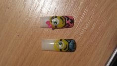 Minion lovers nails