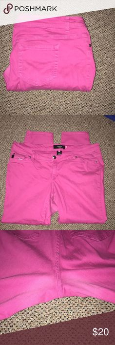 Pink skinny jeans Pink skinny jeans. Still in good condition. Length approximately 31 inches torrid Jeans Skinny