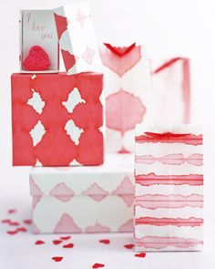 Dip-Dye Wrapping Paper      You can make this distinctive wrapping paper using food coloring and a porous rice paper.