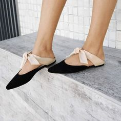 """411 curtidas, 26 comentários - Vinci Shoes (@vincishoes) no Instagram: """"A queridinha do momento não poderia ser outra! Com as amarrações ajustáveis, é a união perfeita de…"""""""