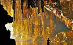 Pense e Sonhe. Viva!: A Alegoria da Caverna, Platão