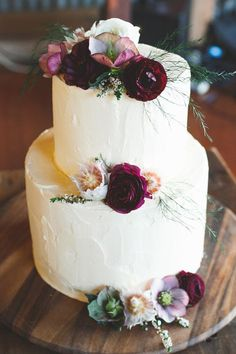 Burgundy wedding cake idea