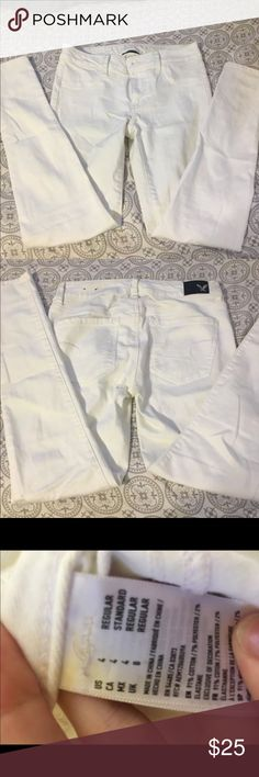 American Eagle white skinny jeans size 4 Size 4 regular  Perfect condition American Eagle Outfitters Pants Skinny