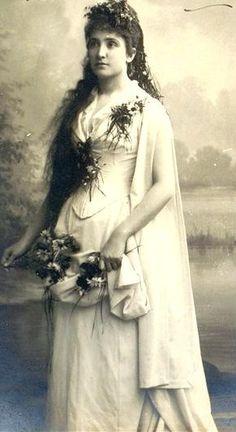 Dame Nellie Melba as Ophelia