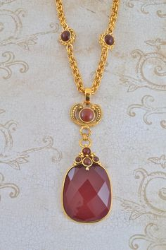 Burgundy Pendant necklace