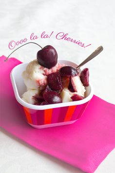 Ice Cream Sundae with Roasted Cherry Wine Sauce - Ice Cream Sundae with Roasted Cherries and Red Wine – SO flippin' delicious! Coffee Breakfast Smoothie, Coffee Smoothie Recipes, Green Smoothie Recipes, Green Smoothies, Healthy Smoothies, Peanut Butter Coffee, Wine Cupcakes, Sundae Recipes, Ice Cream Brands