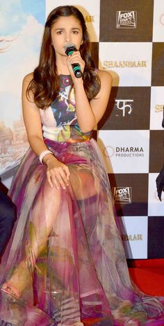 Alia Bhatt. I am so in love with that dress.