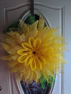 Sunflower wreath was crafted using a Unique in the Creek Flower Frame! Deco Mesh Crafts, Wreath Crafts, Deco Mesh Wreaths, Diy Wreath, Burlap Wreath, Flower Wreaths, Door Wreaths, Diy Spring Wreath, Spring Crafts