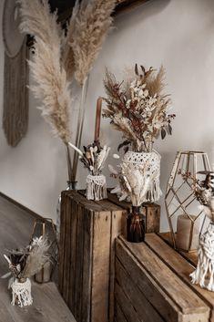 Boho Wedding Dress With Sleeves, Bohemian Bedding, Deco Boheme, Beaded Curtains, Estilo Boho, Centre Pieces, Deco Table, Boho Decor, Bohemian Decorating