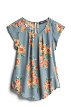 Alice Blue Dusty Blue & Soft Orange Floral Blouse - Stitch Fix, I typically do jewel colors but maybe this would work, has orange Blouse Styles, Blouse Designs, Pretty Outfits, Cute Outfits, Stitch Fix Outfits, Winter Mode, Stitch Fix Stylist, Floral Tops, What To Wear