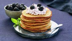Sunne pannekaker Cottage Cheese, Pancakes, Breakfast, Food, Pineapple, Morning Coffee, Essen, Pancake, Meals