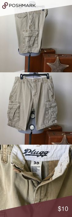 "Plugg Cargo Shorts 30 Men's Size Medium, Cargo Shorts, Tan. EUC ""excellent used condition"" the item is like new, with little or no wear and tear. Plugg Shorts Cargo"