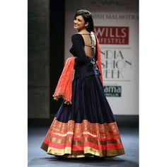 Lovely Parineeti in Lehenga. Parineeti Chopra, Choli Designs, Lehenga Designs, Blouse Designs, Indian Attire, Indian Wear, Indian Style, India Fashion, Asian Fashion