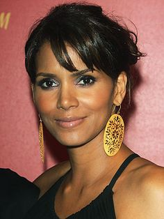 I've always loved Halle's look!  http://bethbenderbeauty.files.wordpress.com/2007/12/halle_berry.jpg