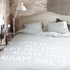 VT Nala Grijs / Wit 200x220+40 cm + 60x70 cm (2x) #duvet #duvetcover #bedding #bedroom #bed #dekbedovertrek #dekbedovertrekset #overtrek #lakens #sheets #bedsheets > www.marington.nl