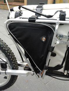 Bolsa triangular para ser usada en el transportin