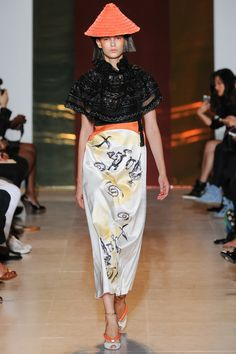 Tsumori Chisato 2014 - Choju jinbutsu giga looking like sumo-e painted on silk skirt