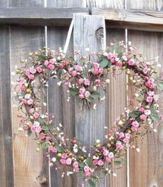 Here are the Rose Valentine Heart Decor Wreath. This article about Rose Valentine Heart Decor Wreath was posted under the … Deco Nature, Deco Floral, Valentine Wreath, Valentine Hearts, Valentine Box, Valentine Ideas, Shabby Chic Decor, Rustic Decor, Door Wreaths
