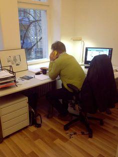 Eka työpäivä uudessa osoitteessa, työn touhussa.