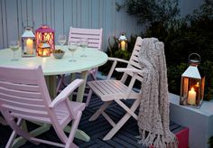 New Wooden Outdoor Furniture Makeover Porches Ideas Painted Garden Furniture, Pallet Garden Furniture, Outdoor Furniture Design, Patio Furniture Sets, Colorful Furniture, Furniture Makeover, Upcycled Furniture, Loft Furniture, Furniture Ideas