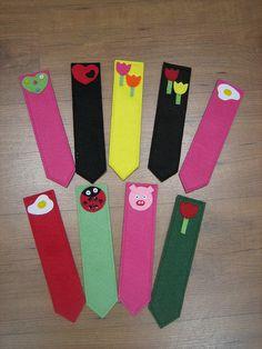 Marcapáginas de fieltro by cascabelesrojos, via Flickr Bookmark Craft, Bookmarks, Feelings, Crochet, Diy Ideas, Crafts, Marque Page, Reading Room, Craft