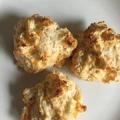 Easy Baking Powder Drop Biscuits Biscuit Bread, Biscuit Mix, Biscuit Recipe, Easy Drop Biscuits, Homemade Biscuits, Baking Powder Biscuits, Buttermilk Biscuits, Spelt Biscuits, Sausage Gravy