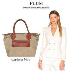 Carteras Plum - Handbags #outfit Visita: PLUMSHOPONLINE.COM - Último Día 45% MENOS en la cartera de cuero y nylon NOA en color beige. Aprovecha ahora aquí: http://ift.tt/2mqvJi2