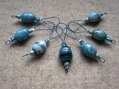 Maschenmarkierer - 7 Maschenmarkierer, Perlen türkis, Stitchmarker - ein Designerstück von Frostpfoetchen bei DaWanda