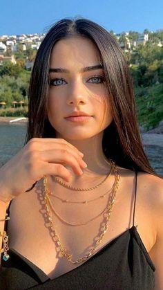 Lovely Eyes, Most Beautiful Faces, Perfect Eyes, Stunning Eyes, Beautiful Girl Image, Gorgeous Women, Hot Brunette, Brunette Beauty, Girl Face