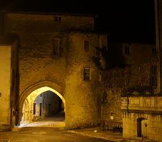 Porche - ancienne entrée des moines de l'Abbaye Saint Sauveur - vue de l'autre côté