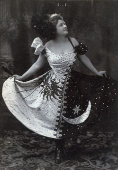 LOVE THIS DRESS - Loving the concept, need to refine the design. Marie Lloyd The first great working-class popular heroine, music hall performer. Mardi Gras Outfits, Mardi Gras Costumes, Vintage Costumes, Vintage Outfits, Vintage Fashion, Rococo Fashion, Vintage Dress, Vintage Clothing, Retro Mode