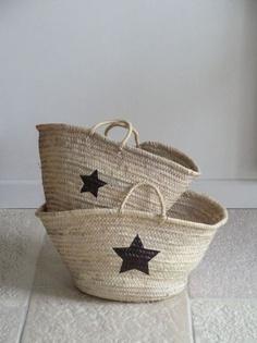 DIY - 2 wicker shopping bags, 2 star stencils + 1 marker (via esprit champêtre ♥)