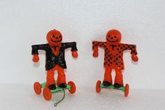Lot of 2 Vintage Rosbro Plastic Scarecrows Halloween Candy Container Pull Toys