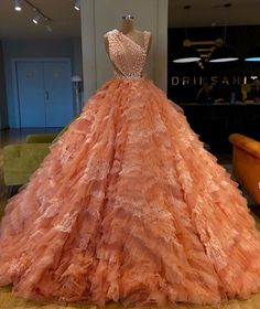 Gala Dresses, Event Dresses, Couture Dresses, 1950s Dresses, Pretty Prom Dresses, Unique Dresses, Stunning Dresses, Indian Wedding Gowns, Cute White Dress