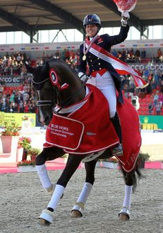 Charlotte Dujardin and Valegro keep on crushing it! love this pair