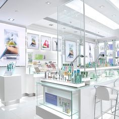 A new Clinique concept boutique at Tsing Yi.