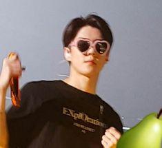 Sehun, Exo Xiumin, Exo Concert, Exo Memes, Celebrity Dads, Celebrity Style, Wattpad, Meme Faces, Kpop Aesthetic