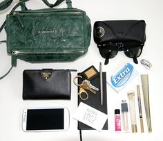 what's in my bag... - karolina's style