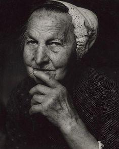 Martin Martinček - Vrchárka I. | Web umenia Folk Costume, People Photography, Vintage Outfits, Vintage Clothing, Beautiful, Portraits, History, Travel, Life