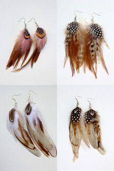 Pendientes de la pluma. joyas plumas. pendientes tribales. accesorios de plumas. accesorios de la boda boho. pendientes de nativos americanos. pendientes boho.  par de aretes de plumas naturales. Se trata de un elegante aretes de plumas hechos a mano con plumas naturales. Cada pluma fue seleccionado cuidadosamente y de forma individual. Creando este hermoso producto que está diseñado para coleccionar y decorar tu cabello.