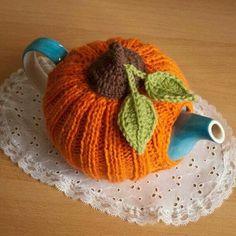 Knit or Crochet tea cozy! / Pumpkin tea cosy via Etsy Tea Cosy Knitting Pattern, Tea Cosy Pattern, Crochet Pumpkin Pattern, Crochet Motifs, Crochet Patterns, Scarf Patterns, Knitting Projects, Crochet Projects, Knitting Tutorials