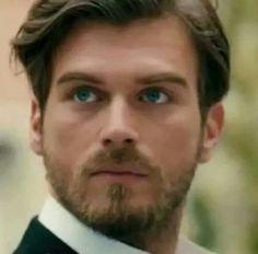 Znalezione obrazy dla zapytania kurt seyit ve şura Turkish Men, Turkish Actors, Kurt Seyit And Sura, Mejores Series Tv, Guy Pictures, Actor Model, Best Actor, Gorgeous Men, Role Models