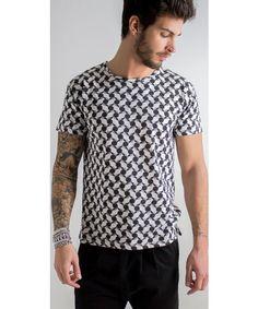 T-shirt a fantasia astratta in 100% cotone.