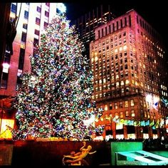 Experience Christmas In New York City At The Rockefeller Center #RockCenterXmas