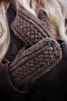 Knitted Mittens Pattern, Knit Mittens, Sweater Knitting Patterns, Hand Knitting, Baby Mittens Knitting Pattern, Vintage Knitting, Ravelry, Knit Crochet, Crochet Shawl