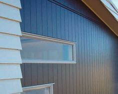 Scyon - photos - Scyon Axon Cladding Don't mind this for a bit of a boathouse look. Exterior Wall Cladding, House Cladding, Facade House, House Exteriors, Fibre Cement Cladding, Metal Cladding, Exterior Colors, Interior And Exterior, Interior Design