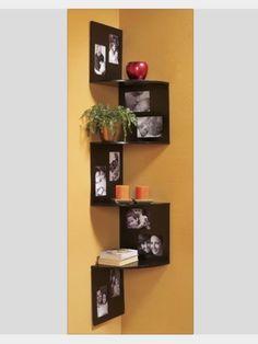 Picture frames and corner shelves so easy creative! We already have the corner shelves! Corner Shelf Design, Photo Shelf, Picture Shelves, Flosting Shelves, Diy Picture Frames On The Wall, Unique Shelves, Shelving Units, Hanging Shelves, Kitchen Shelves